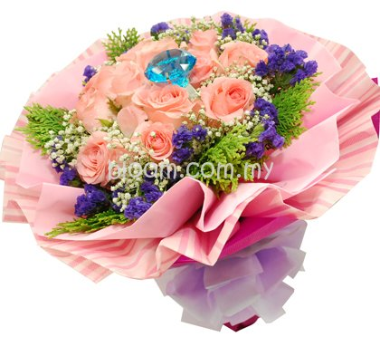 Rose Hand Bouquet 38