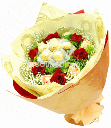 Flowers With Ferrero Rocher Hand Bouquet 08