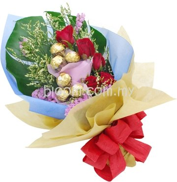 Flowers With Ferrero Rocher Hand Bouquet 02
