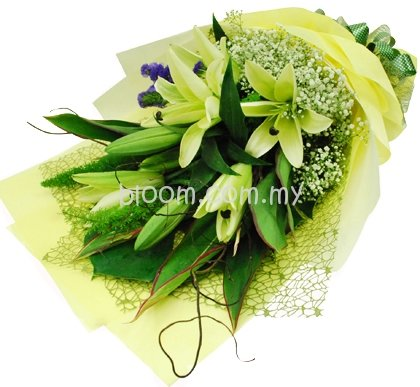 Lily Hand Bouquet 16